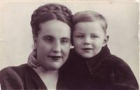 04. Мама с сыном